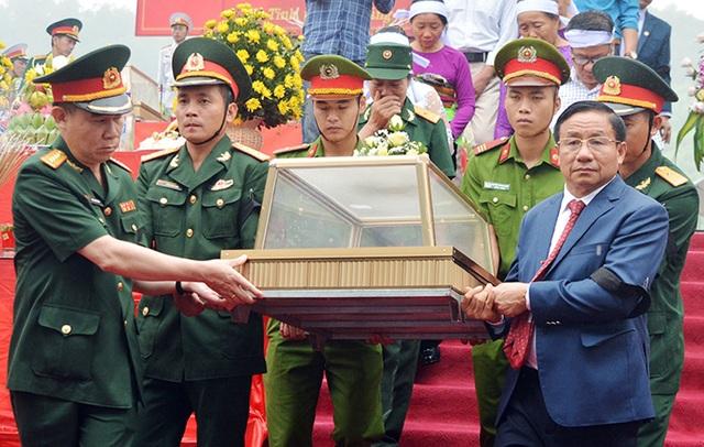 Truy điệu, an táng 7 hài cốt liệt sĩ hy sinh tại Lào - 2