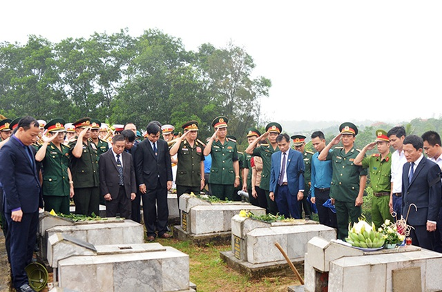 Truy điệu, an táng 7 hài cốt liệt sĩ hy sinh tại Lào - 3