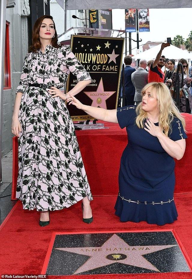 Công chúa Mia Anne Hathaway nhận sao trên Đại lộ danh vọng - 3