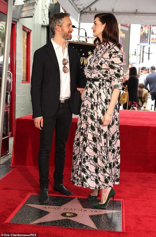 Công chúa Mia Anne Hathaway nhận sao trên Đại lộ danh vọng - 9