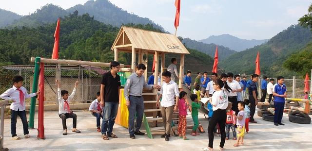 CUBIC Architects mang sân chơi về cho trẻ em nghèo vùng sâu - 1