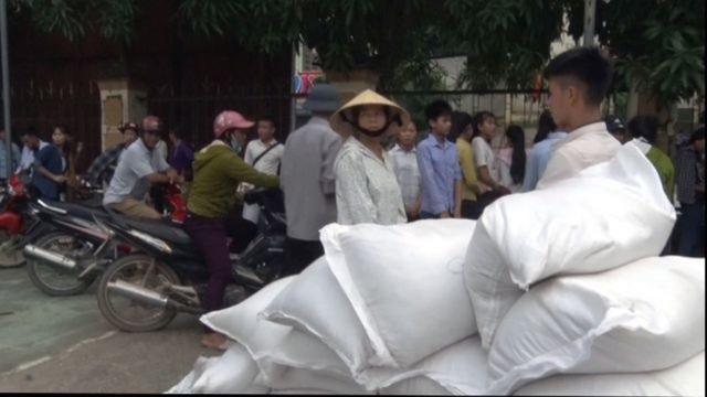 Nghệ An: Gạo cấp cho học sinh về địa phương chậm - 1