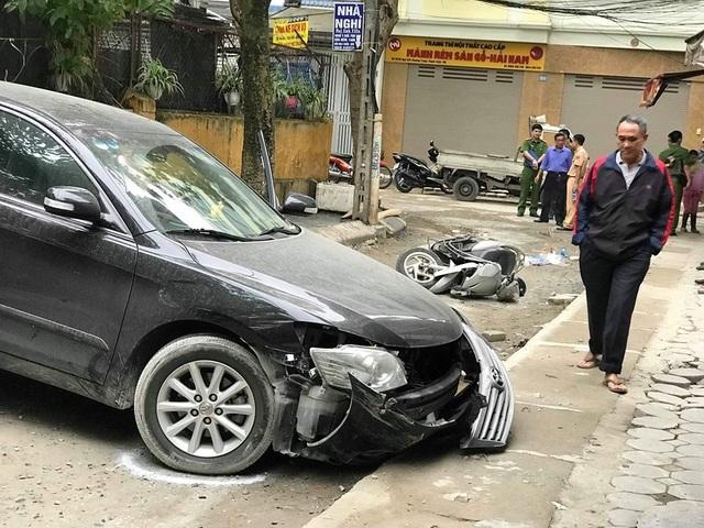 Xác định danh tính nữ tài xế lùi xe Camry cán chết người ở Hà Nội - 1