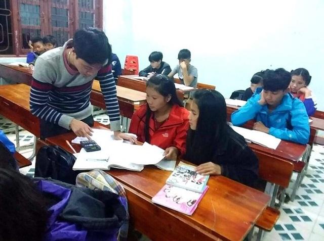"""Quảng Bình:Đỗ tốt nghiệp 100% nhờ mô hình """"Phòng học sáng đèn"""" - 1"""