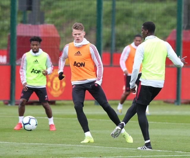 Man Utd sử dụng hàng loạt cầu thủ trẻ trước trận cuối mùa giải - 8
