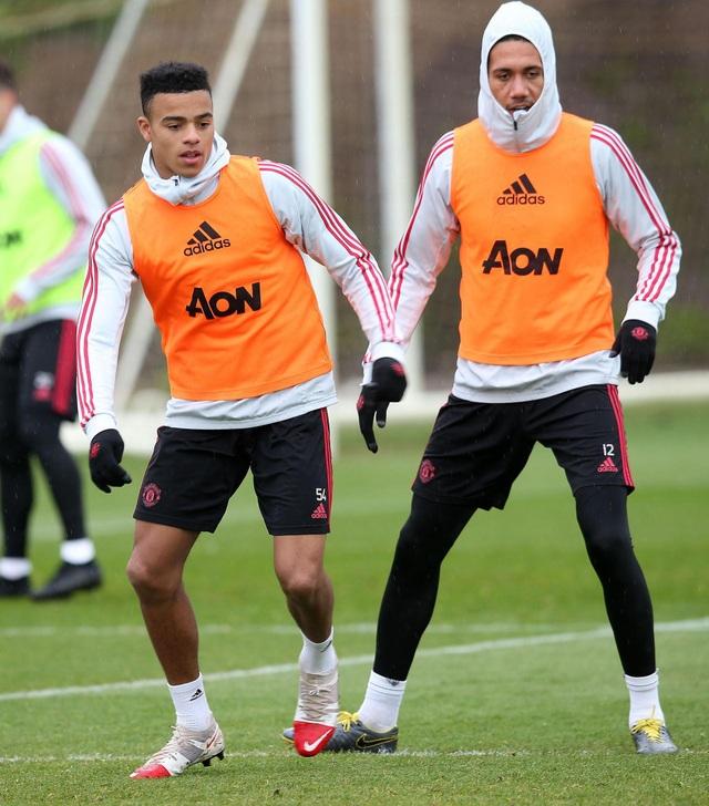 Man Utd sử dụng hàng loạt cầu thủ trẻ trước trận cuối mùa giải - 11