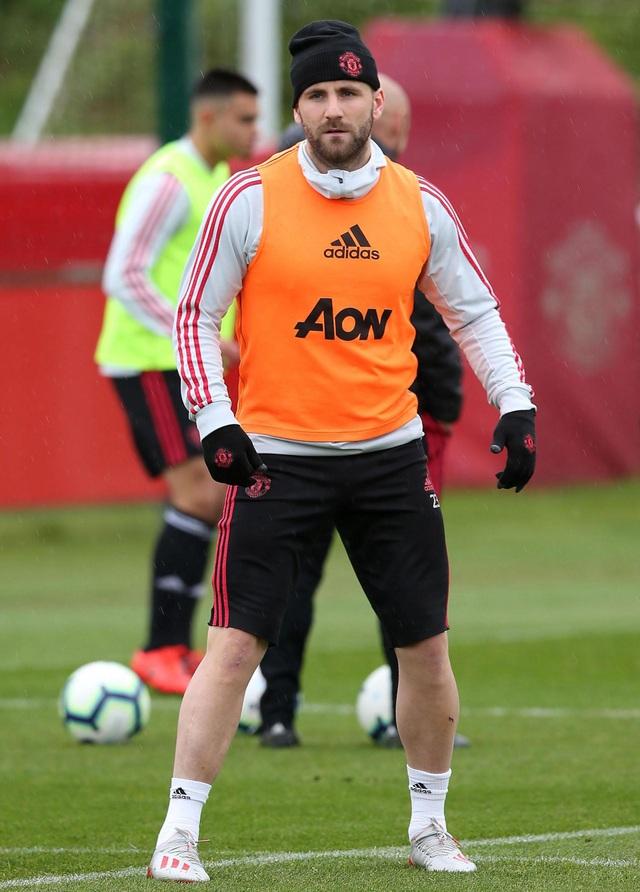 Man Utd sử dụng hàng loạt cầu thủ trẻ trước trận cuối mùa giải - 14