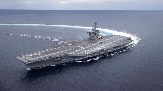 """Tàu sân bay Mỹ có thể bị đánh chìm trong """"canh bạc rủi ro"""" với Iran"""