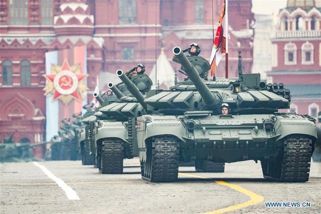 Cận cảnh dàn khí tài Nga phô diễn sức mạnh trong lễ duyệt binh - 13