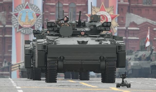 Cận cảnh dàn khí tài Nga phô diễn sức mạnh trong lễ duyệt binh - 15