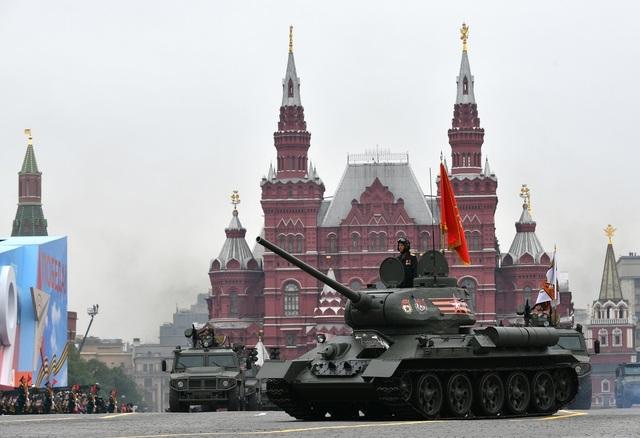 Cận cảnh dàn khí tài Nga phô diễn sức mạnh trong lễ duyệt binh - 3