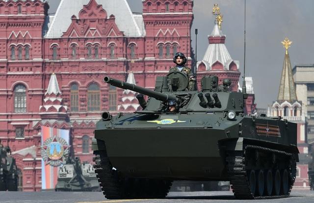 Cận cảnh dàn khí tài Nga phô diễn sức mạnh trong lễ duyệt binh - 4