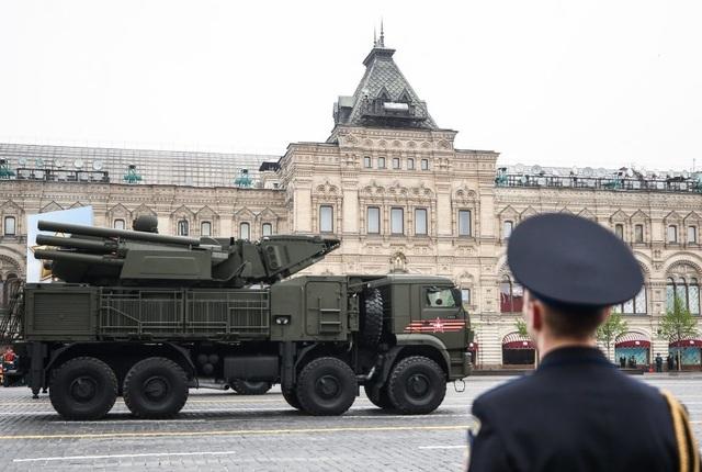 Cận cảnh dàn khí tài Nga phô diễn sức mạnh trong lễ duyệt binh - 17