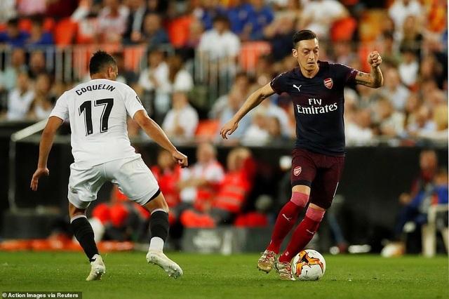 Valencia 2-4 Arsenal: Cú hattrick của Aubameyang - 15