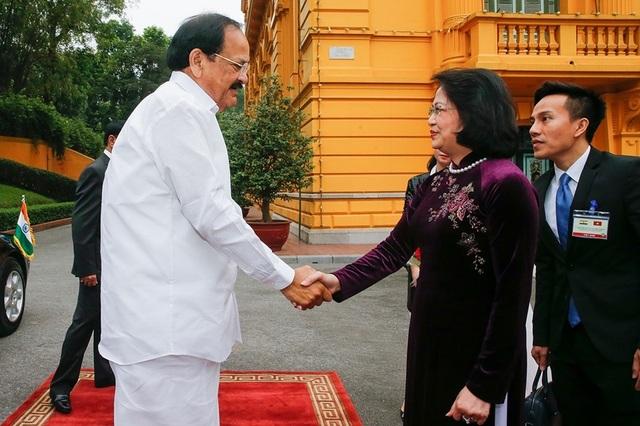 Phó Chủ tịch nước Đặng Thị Ngọc Thịnh chủ trì lễ đón Phó Tổng thống Ấn Độ - 2