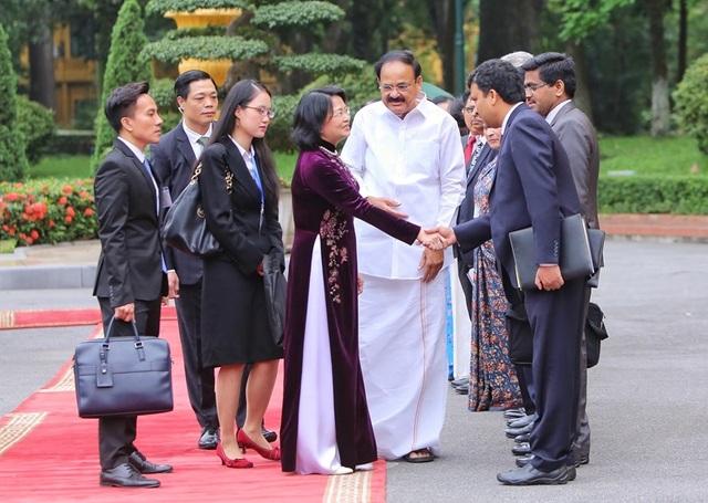 Phó Chủ tịch nước Đặng Thị Ngọc Thịnh chủ trì lễ đón Phó Tổng thống Ấn Độ - 4