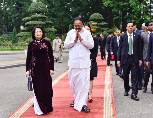 Phó Chủ tịch nước Đặng Thị Ngọc Thịnh chủ trì lễ đón Phó Tổng thống Ấn Độ - 3