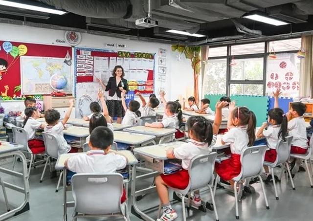 """""""Hết hơi"""" nhìn học phí trường con nhà """"siêu giàu"""" ở Sài Gòn - 1"""