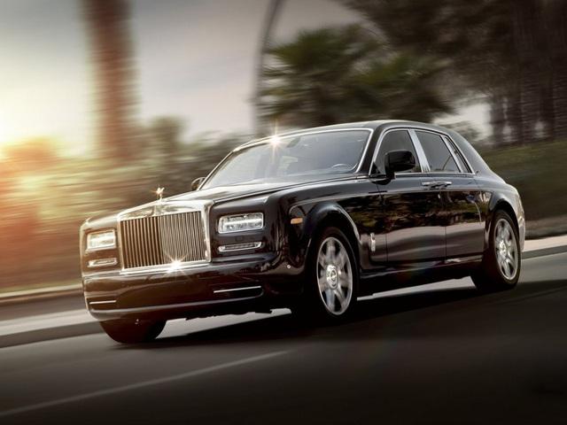 Sở hữu 500 siêu xe Rolls-Royce, Quốc vương Brunei sống xa hoa như thế nào? - 13