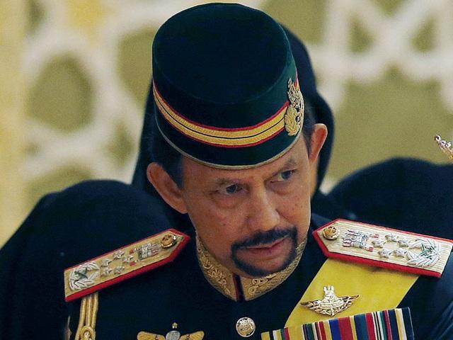 Sở hữu 500 siêu xe Rolls-Royce, Quốc vương Brunei sống xa hoa như thế nào? - 21