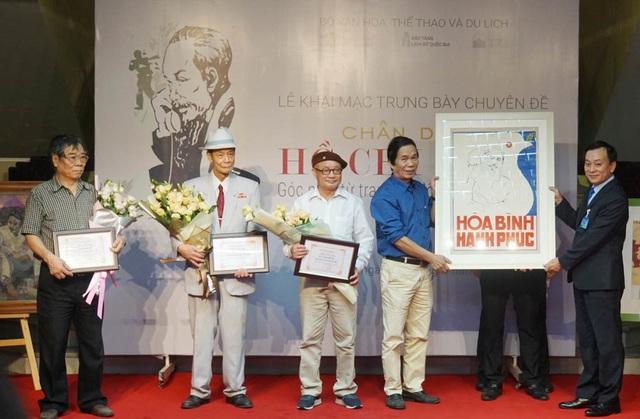 Chân dung Hồ Chí Minh: Góc nhìn từ tranh cổ động - 3