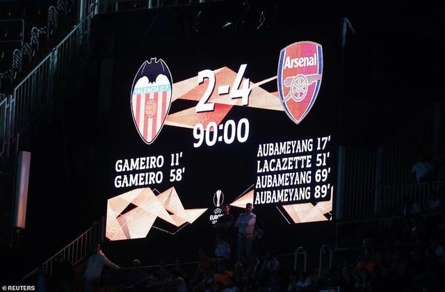 Valencia 2-4 Arsenal: Cú hattrick của Aubameyang - 23