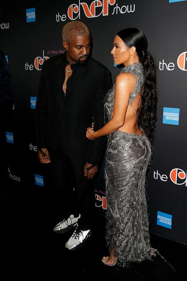 Kim Kardashian đón con thứ 4 nhờ người mang thai hộ - 4