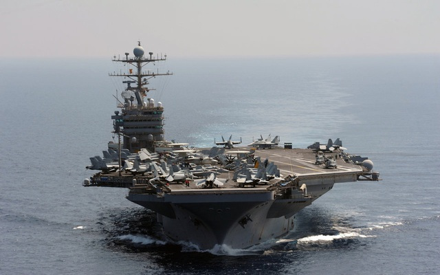 """Dàn khí tài uy lực Mỹ đưa tới Trung Đông """"nắn gân"""" Iran"""