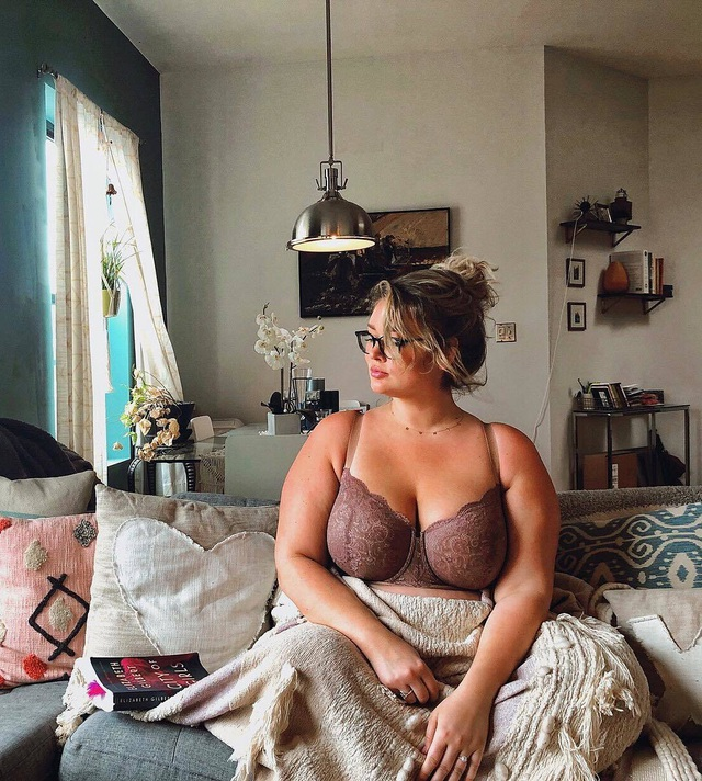 Người mẫu hơn 100 kg xuất hiện trên tạp chí áo tắm danh tiếng - 9