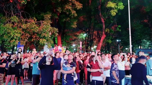 Thủ tướng cùng hàng vạn người dân dự Lễ hội Hoa Phượng đỏ 2019 - 7