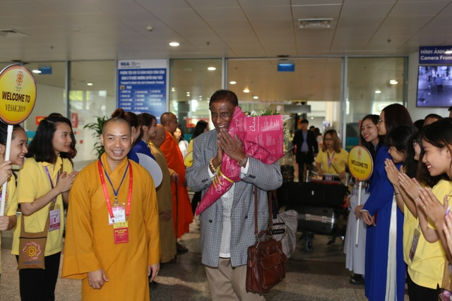 Hơn 1.200 đại biểu quốc tế đến Việt Nam dự Vesak trong ngày 11/5 - 1