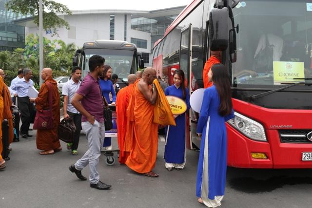 Hơn 1.200 đại biểu quốc tế đến Việt Nam dự Vesak trong ngày 11/5 - 3