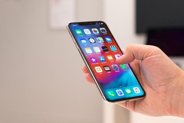 iPhone XI có thể sạc AirPods, camera