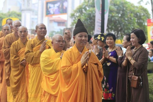 Hà Nam: 400 xe hoa tham gia rước Phật chào mừng Đại lễ Vesak 2019 - 1
