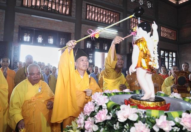 Hà Nam: 400 xe hoa tham gia rước Phật chào mừng Đại lễ Vesak 2019 - 3
