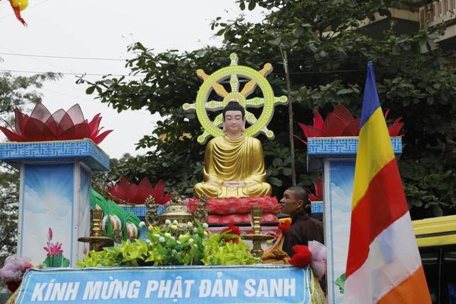 Hà Nam: 400 xe hoa tham gia rước Phật chào mừng Đại lễ Vesak 2019 - 4