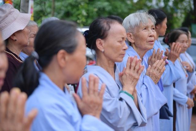 Hà Nam: 400 xe hoa tham gia rước Phật chào mừng Đại lễ Vesak 2019 - 14