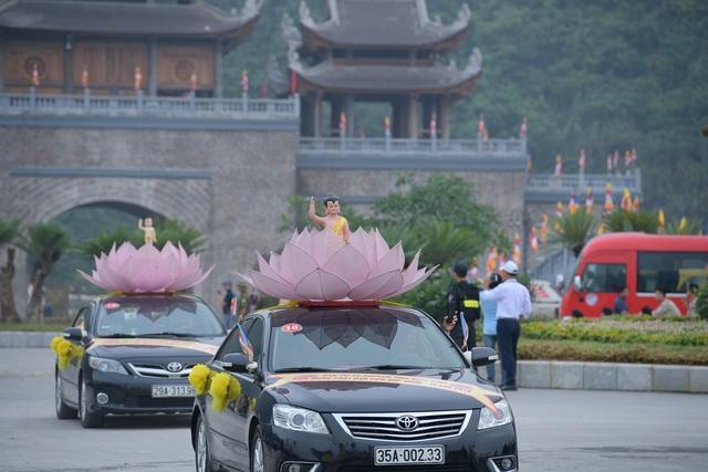 Hà Nam: 400 xe hoa tham gia rước Phật chào mừng Đại lễ Vesak 2019 - 13