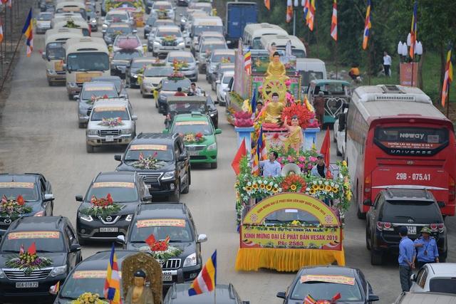 Hà Nam: 400 xe hoa tham gia rước Phật chào mừng Đại lễ Vesak 2019 - 10