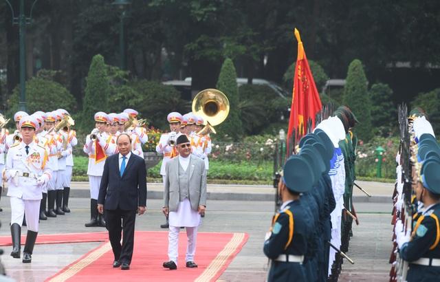 Thủ tướng Nguyễn Xuân Phúc đón người đồng cấp Nepal thăm chính thức Việt Nam - 2