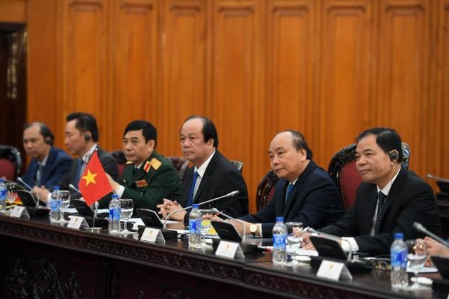 Thủ tướng Nguyễn Xuân Phúc đón người đồng cấp Nepal thăm chính thức Việt Nam - 6