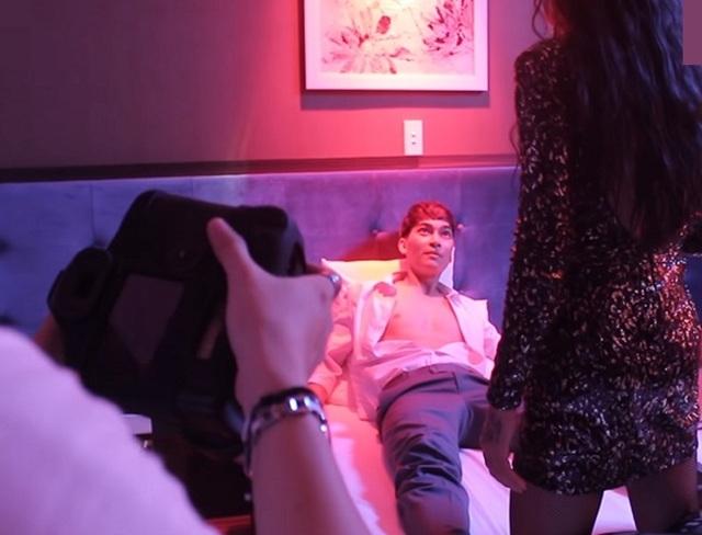 Tràn ngập cảnh nóng, hot girl khoe thân trong web drama Việt - 12