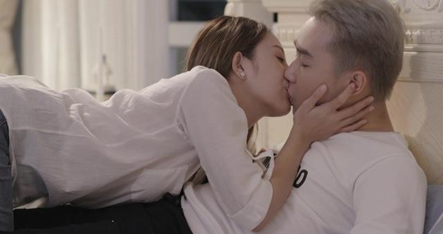 Tràn ngập cảnh nóng, hot girl khoe thân trong web drama Việt - 13