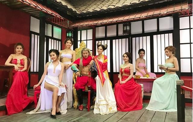 Tràn ngập cảnh nóng, hot girl khoe thân trong web drama Việt - 2