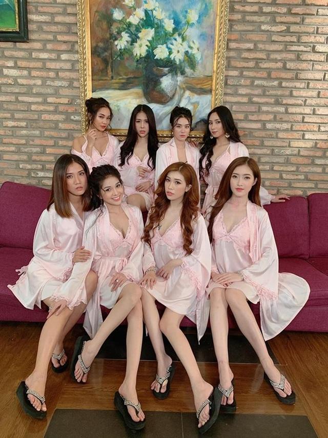 Tràn ngập cảnh nóng, hot girl khoe thân trong web drama Việt - 4