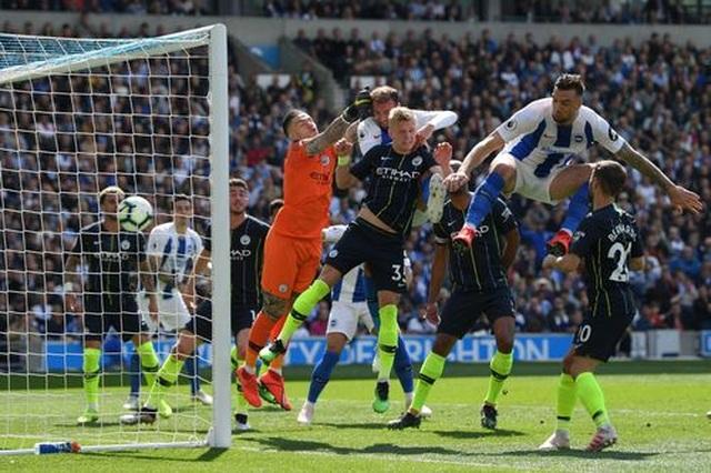 Brighton 1-4 Man City: Thầy trò Guardiola vô địch Premier League - 12