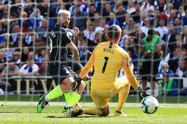 Brighton 1-4 Man City: Thầy trò Guardiola vô địch Premier League - 11