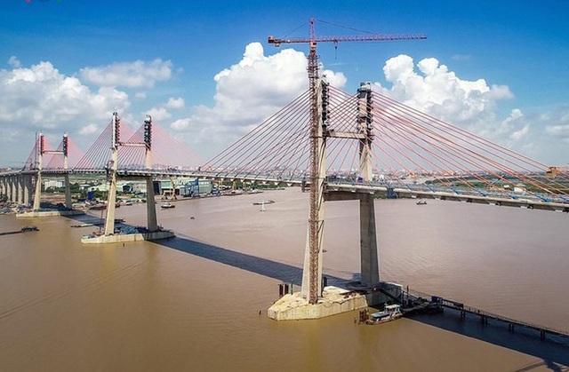 Cầu 4.000 tỷ đồng vừa xây xong đã nứt: Kiểm toán chỉ ra hàng loạt hạn chế - 1
