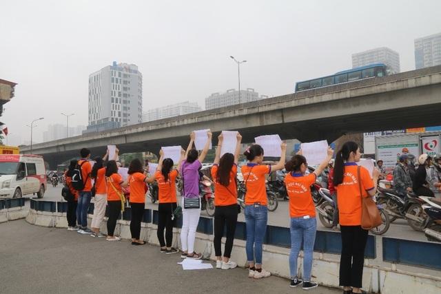 """Hà Nội: Sinh viên xuống đường truyền thông điệp """"nói không"""" với túi nilon - 3"""