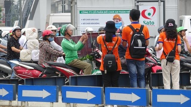 """Hà Nội: Sinh viên xuống đường truyền thông điệp """"nói không"""" với túi nilon - 7"""